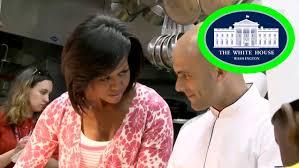 Youtube Whitehouse First Lady Michelle Obama Plants The White House Kitchen Garden