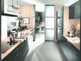 cuisine semi ouverte avec bar une cuisine semi ouverte avec porte coulissante cuisine con cuisine