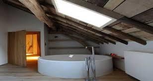 salle de bain dans chambre sous comble salle de bain sous pente et sous combles à la déco craquante