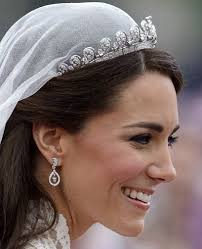 kate middleton diamond earrings duchess kate jewellery