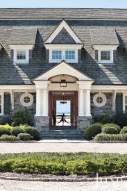 Gambrel Style House by Best 25 Shingle Style Homes Ideas Only On Pinterest Beach Style