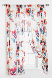 Urbanoutfitters Curtains Best 25 Floral Curtains Ideas On Pinterest Printed Curtains