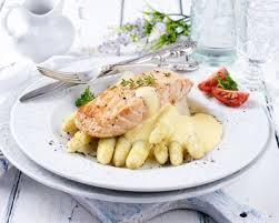 cuisine hollandaise recette recette pavé de saumon sauce hollandaise au thermomix facile