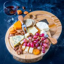 how to make the ultimate holiday cheese board blondelish