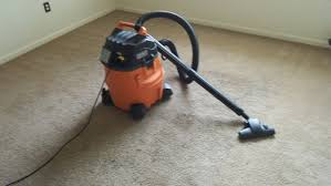 Vaccumming Ridgid Wd1450 Wet Dry Vac And Carpet And Hard Floor Nozzle