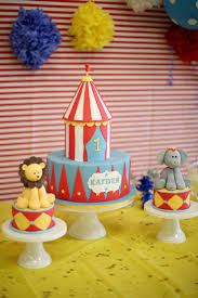 Halloween First Birthday Cakes by Best 25 Carnival Birthday Cakes Ideas Only On Pinterest Circus