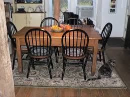 Area Rug Under Dining Table Need Or Want - Dining room area rugs