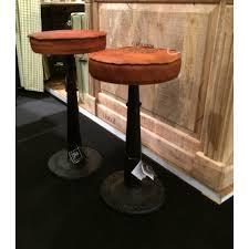 mobilier de bistrot tabouret de bar industriel en cuir et métal réglable en hauteur