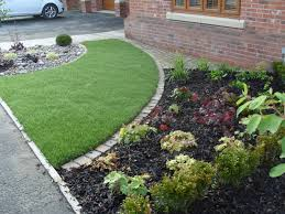 budget simple front yard landscaping ideas with small fences on a