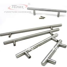 pulls and knobs for kitchen cabinets kitchen cabinet door handles