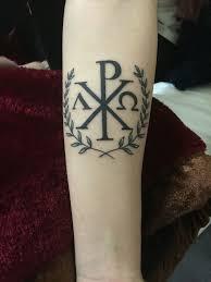 más de 25 ideas increíbles sobre tatuaje de alfa omega en