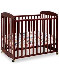 Mini Rocking Crib Deal Alert Davinci Alpha Mini Rocking Crib In Cherry