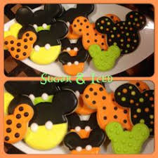 halloween mickey mouse oreo cookies are fun to decorate using