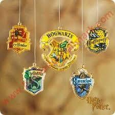 2001 harry potter hogwarts school crests hallmark ornament