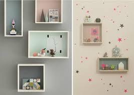 étagère murale chambre bébé idées de déco chambre fille dans le style romantique très chic