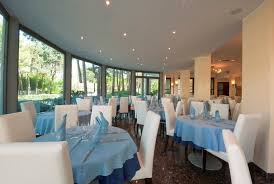 Sideboard Restaurant Restaurant Attention And Taste For Your Stay In Lignano