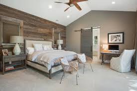 lambris mural en bois dans la chambre en 27 bonnes idées