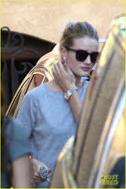 chelsea clinton engagement ring rosie huntington whiteley flashes engagement ring during casual