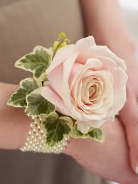 Where Can I Buy A Corsage And Boutonniere For Prom Unique Vintage Prom Floral And Wrist Corsage