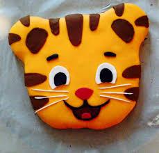 daniel tiger cake daniel tiger fondant cake the 15 infertility