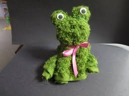 119 best baby washcloth animals images on pinterest towel washcloth folding craft frog