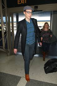 jim parsons arrives at lax airport 08 fabzz