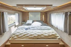 chambre interiors le voyageur liner motorhome luxury as a standard