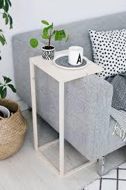 canapé diy fabriquer une table d appoint pour le canapé 13 idées pour vous