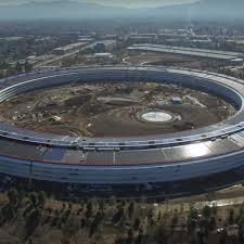 apple siege apple park le futur siège d apple entre bientôt en service grazia