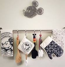 Disney Home Decor Ideas Best 25 Disney Kitchen Decor Ideas On Pinterest Disney Kitchen