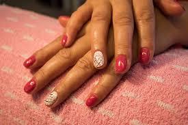 semipermanent manicure long lasting nail polish baked in led