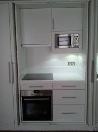 cuisine escamotable créa déco cuisine moderne en médium peinture cabine escamotable