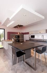 photo de cuisine avec ilot cuisine moderne avec un îlot central modèle sérénade