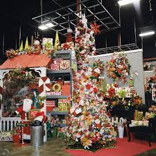 christmas tree ideas show me decorating miss cayce s christmas store 2013 tour the north pole christmas tree theme