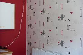 papier pour cuisine cr dence cuisine en papier peint lavable inspiration vitrail