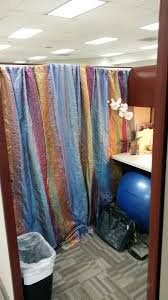 Curtains For Office Cubicles 17 Of The Most Creative Cubicle Decor You Ve Seen