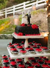 cupcake wedding cake 16 wedding cake ideas with cupcakes