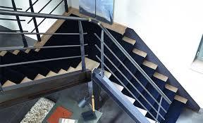 escalier peint 2 couleurs habiller son escalier avec une moquette saint maclou saint maclou
