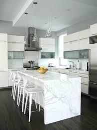 largeur bar cuisine largeur bar cuisine plan de travail marbre avec des tabourets de