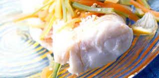 cuisine cabillaud dos de cabillaud à la nage facile recette sur cuisine actuelle