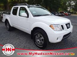 nissan frontier pro 4x specs 2011 avalanche white nissan frontier pro 4x crew cab 4x4 49299330