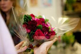 flower deliver decorate your room with bouquets of flowers online florist india