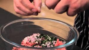 comment cuisiner une dinde de noel comment faire une farce pour une dinde réussie