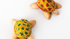 how to make cute walnut and pistachio shell turtles diy crafts