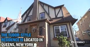 donald trump u0027s childhood home is up for sale u2014 we got access to it