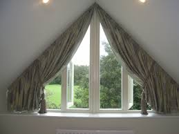 curtains for triangular window okna i firanki pinterest