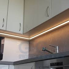 unterbauleuchte küche mit steckdose unterbauleuchte led warmweiß