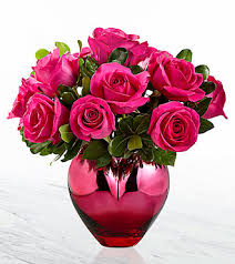 valentines day flowers ftd hold me in your heart bouquet premium s day
