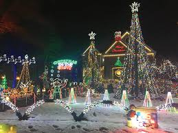 christmas light display synchronized to music christmas in the grove decatur family entertains christmas