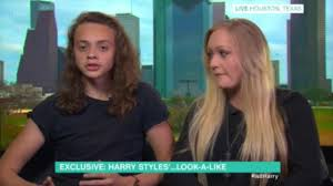 lucy and anna decinque before phillip schofield slams harry styles lookalike as interview bombs